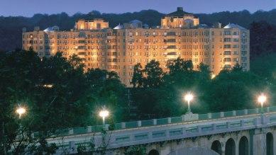 wassho-omni-shoreham-hotel-exterior